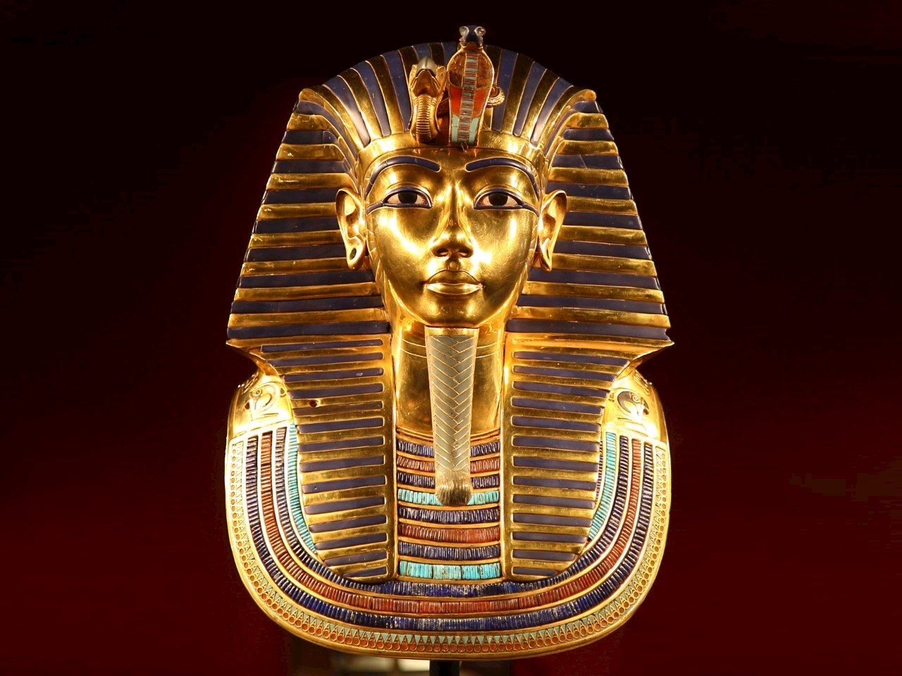 Tutankhamun's golden death mask in the Egyptian Museum