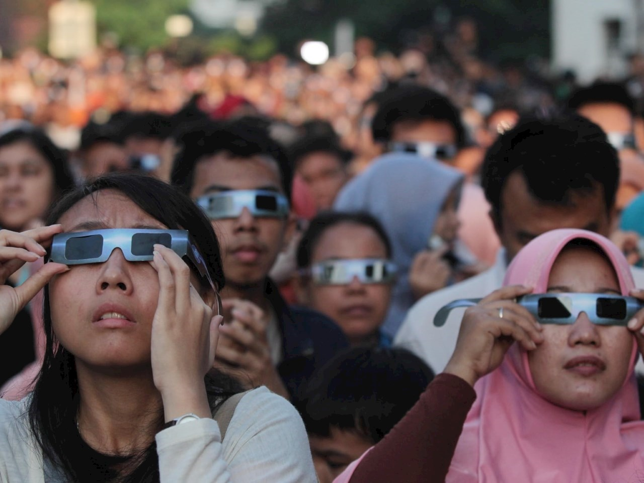 Always use eclipse glasses