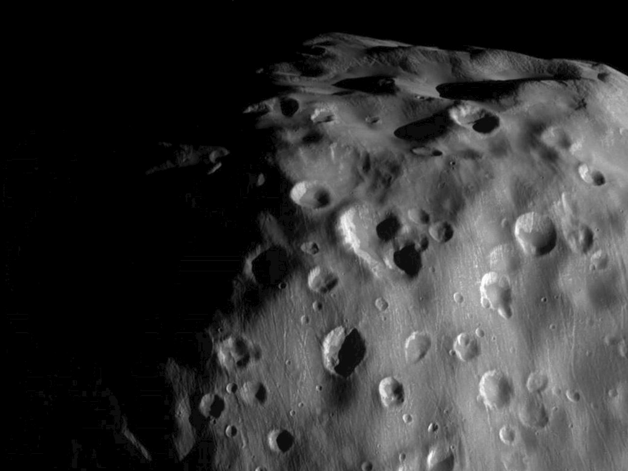 Zoom-in on Epimetheus