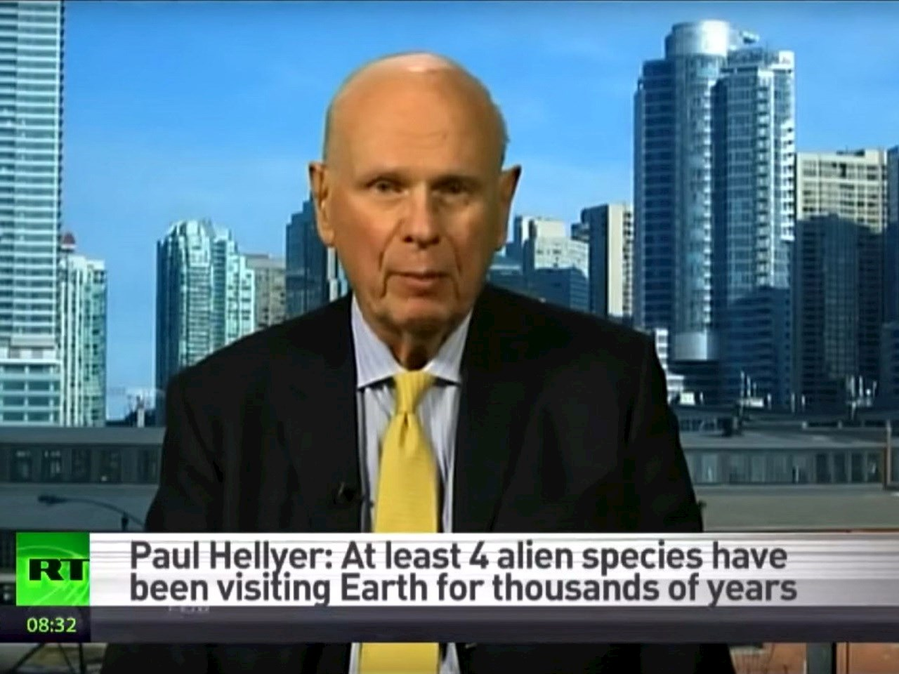 Former Canadian defense minister Paul Hellyer says he believes in aliens