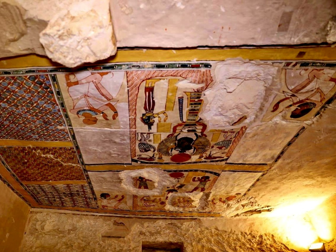 3000 year old tomb contains intact coffins discovered in Luxor
